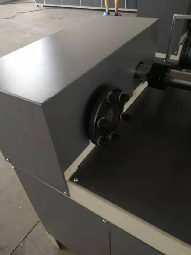 Втулкорезка – 1500 для нарезки втулок, шпулей, туб и картонных барабанов длиной до 1500 мм, внутренним диаметром 30 – 100 мм. Фотография 4.