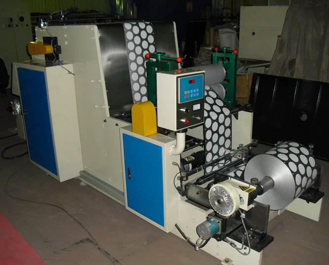 PLT-500 Машина для сквозной высечки – вырубки платинок - крышек из фольги для йогуртов, сметаны и других молочных продуктов в пластиковой таре. Фотография 5